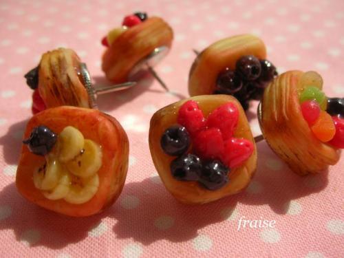 フルーツデニッシュのプッシュピン1