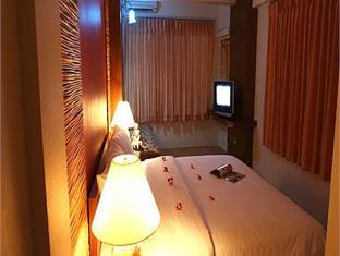 ヴィラ チャチャ (Villa Cha Cha Hotel)