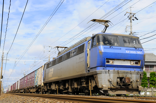 8056レ EF200-901号機