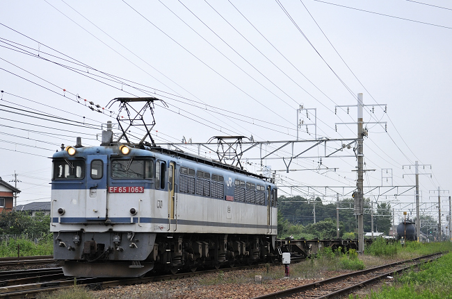 1554レ EF65-1063号機