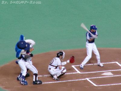 始球式でジャレ合うB☆B&ドアラw