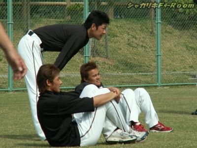 シンドイ練習中の投手陣。