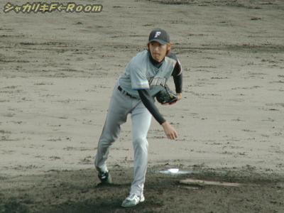 3番手江尻…キャッチボール中の写真しかなくてゴメンw。