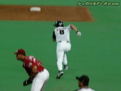 タイムリーだけじゃなく、マックまさかの2盗塁w
