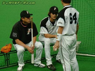 平野コーチとダルがツルイジリw