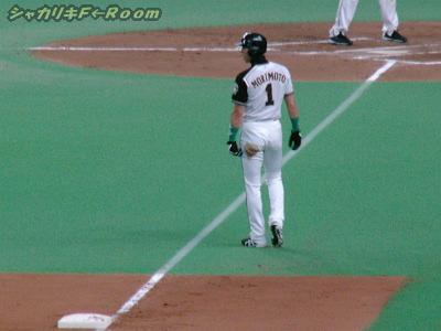 6回・ヒチョリ内野安打で3塁まで行ったのに還れず。。。