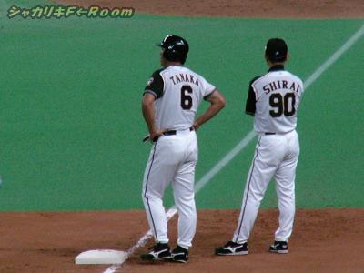 9回・代打幸雄四球で3塁へ