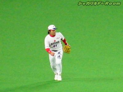 お見事・背走キャッチのセンター小牧さん、本職はキャッチャーなんですってよ(´▽`)←元ハムっ子