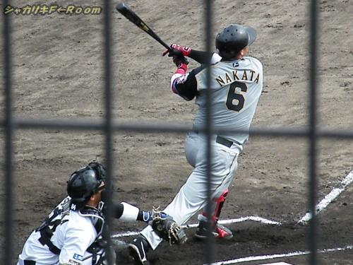 3BHを打った中田の豪快スウィング!