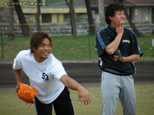 あ、投手陣もいますよ!って事で、フジイとヤチホ。