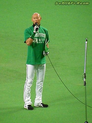 緑なので、ヒッチョンが親善大使w。