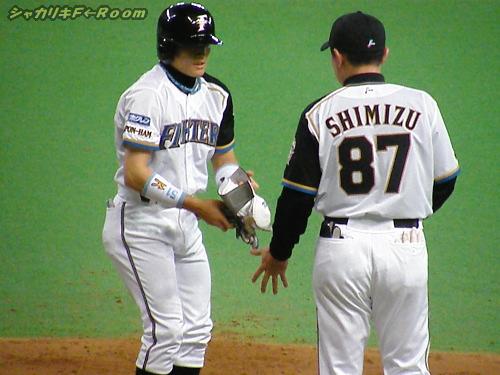 その裏、先頭村田四球から、試合は俄然盛り上がる…!