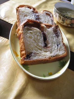 小倉食パン1
