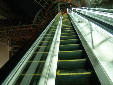京都駅 その2 ~長いエスカレーター~