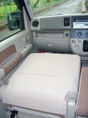 EVERY Pass. seat folding