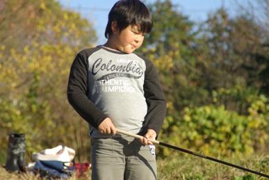 四十八瀬川で魚釣り1