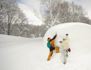 酸ヶ湯温泉、雪の壁1