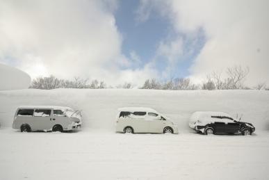 酸ヶ湯温泉、雪の壁2