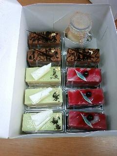 ケーキ(箱)090415_163917