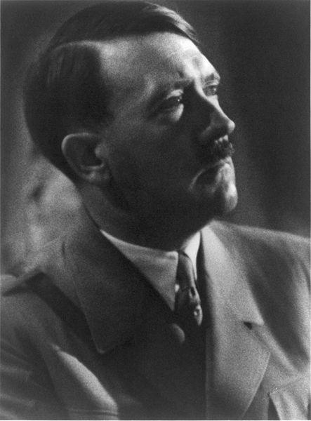 443px-Adolf_Hitler_cph_3a48970.jpg