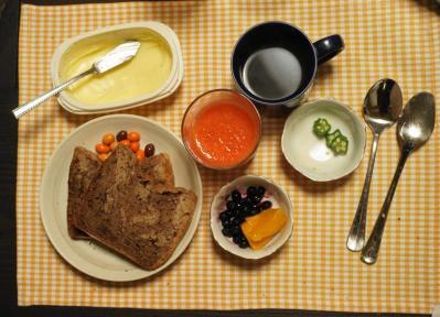 aバナナチョコブレッドの朝食