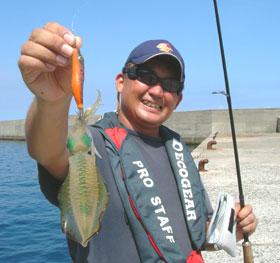 トカラで釣りました・・イカです。