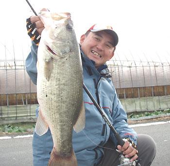 本日の最大魚・・満足サイズです。