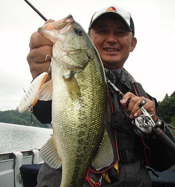 今日の北山湖は止めて食わす・・で爆釣でした。