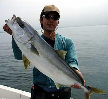 ゆるシャクリの伝道師・・綾太君がキャツチした本日の最大魚