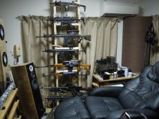 room_of_gunmania200906_001.jpg