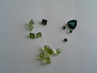 グリーンな石たち。