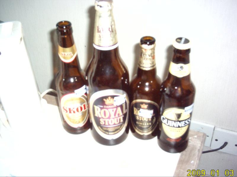2009.1マレーシア 黒ビール1