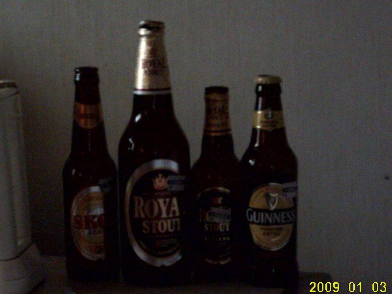 2009.1マレーシア 黒ビール暗い写真