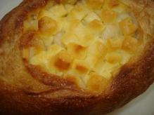 チェダーチーズのパン