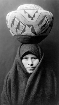 200px-Zuni-girl-with-jar2.png