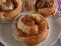 美味しくなかった林檎を煮て、林檎パンとシナモン林檎パン