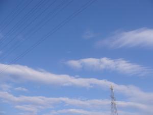 空と雲と線