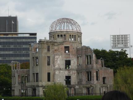 見学旅行 原爆ドーム