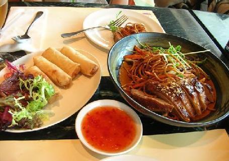 香港ですでに三食目