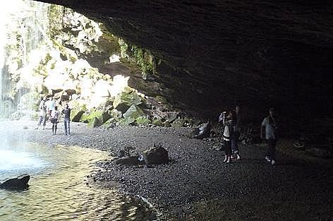 洞窟みたい♪