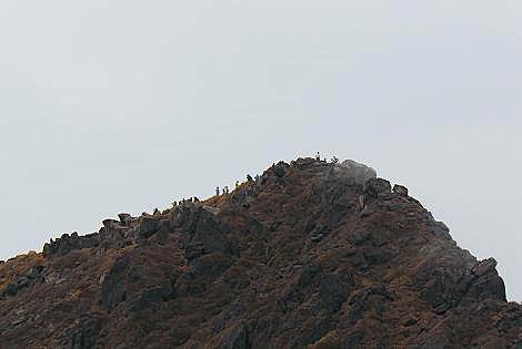 山頂には沢山の人たち♪