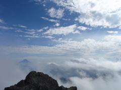 頂上から眺める富士山