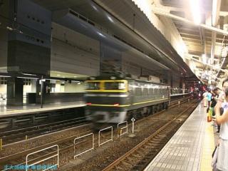 トワイライト塗装EF81電気機関車単行 11
