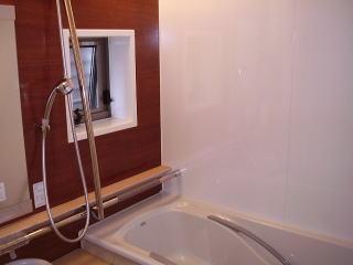 浴室も木目調