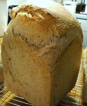 黒小麦食パン