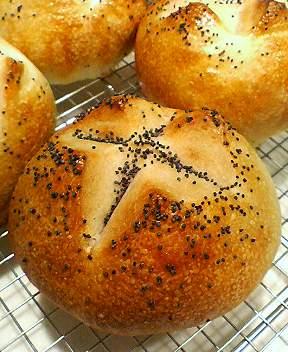 桃酵母でチーズパン