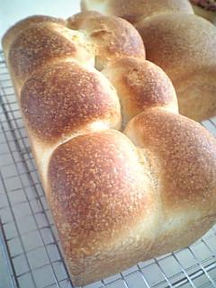 生クリーム入りリッチ食パン