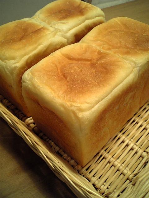ホシノ丹沢酵母角食パン