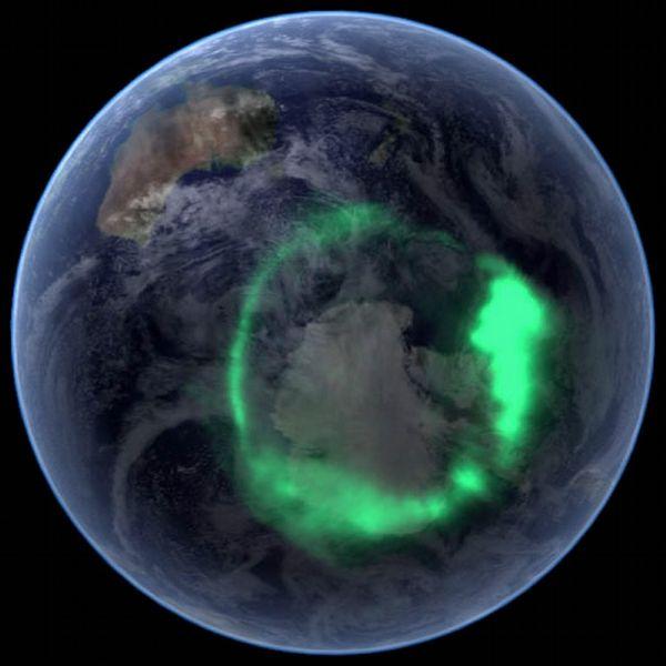 オーロラ :いつかやってみたい、温泉入りながらオーロラで一献(in アラスカ)。