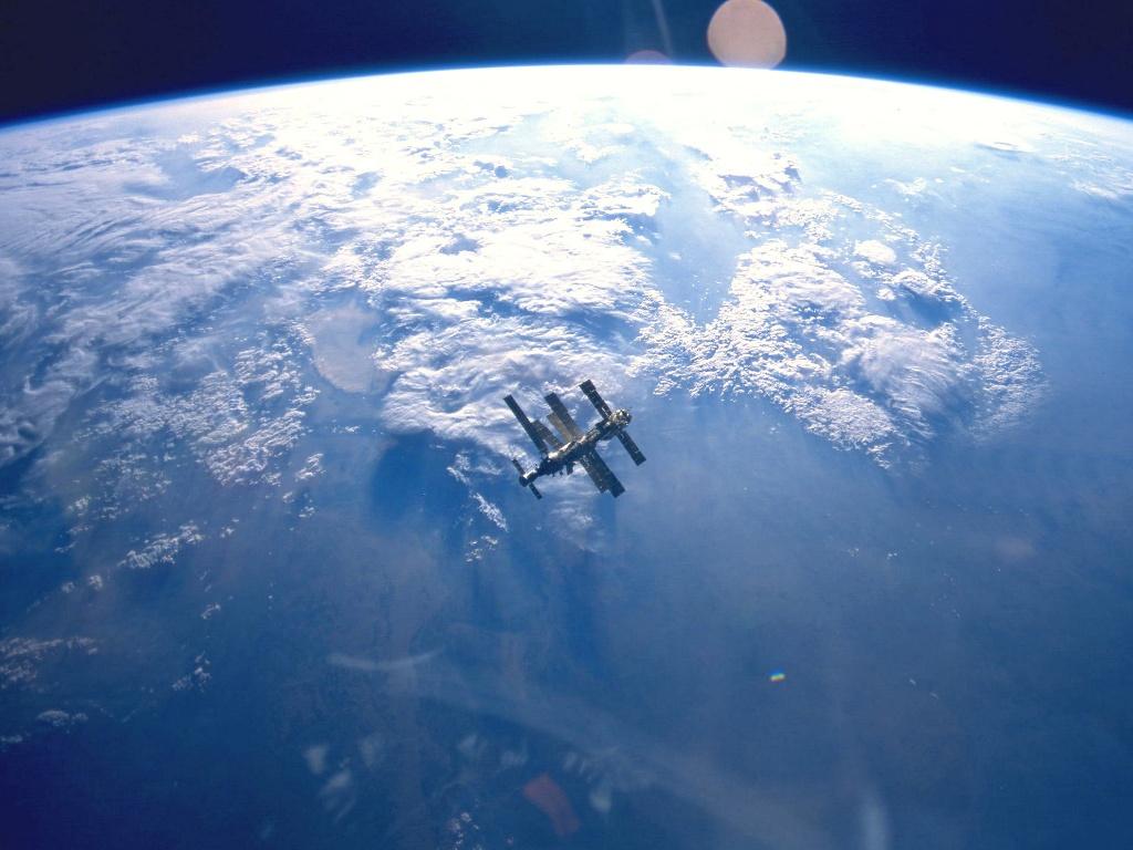 宇宙ステーション?: こちらの方面に明るくなくて、どうもすいません。